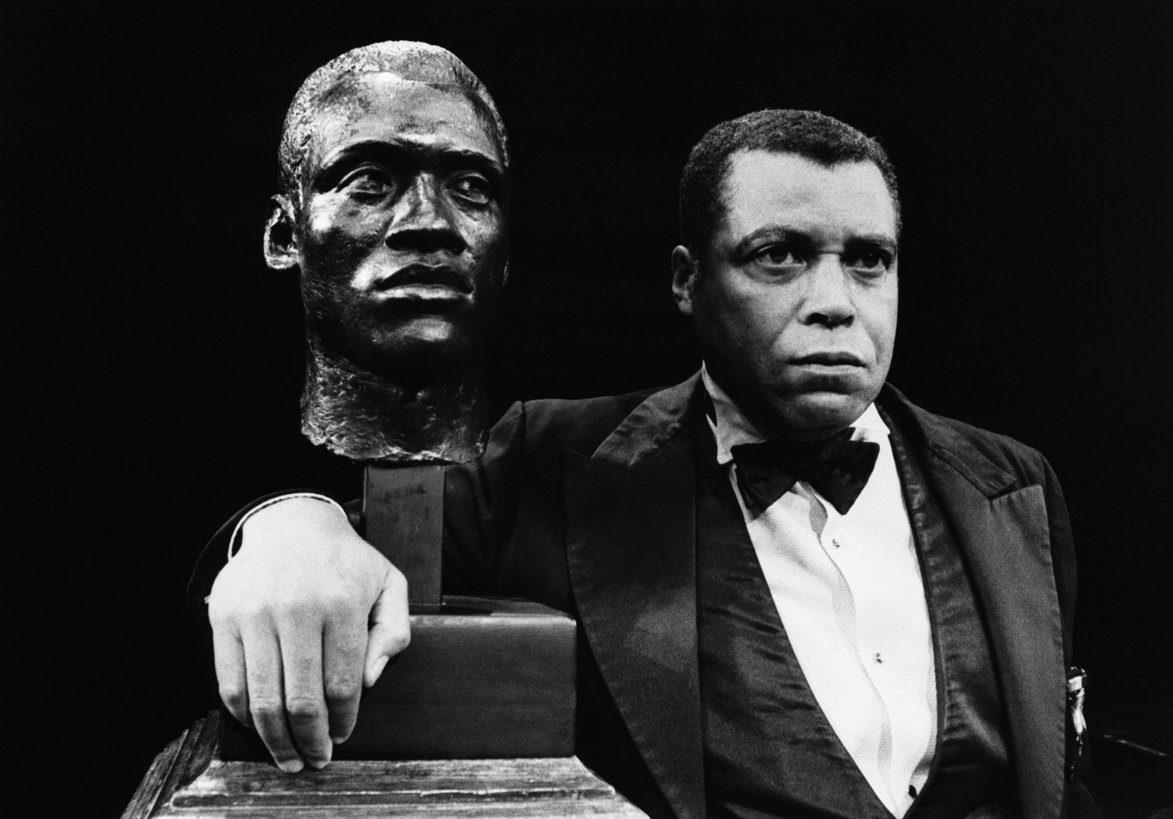 James Earl Jones Poses With Bust
