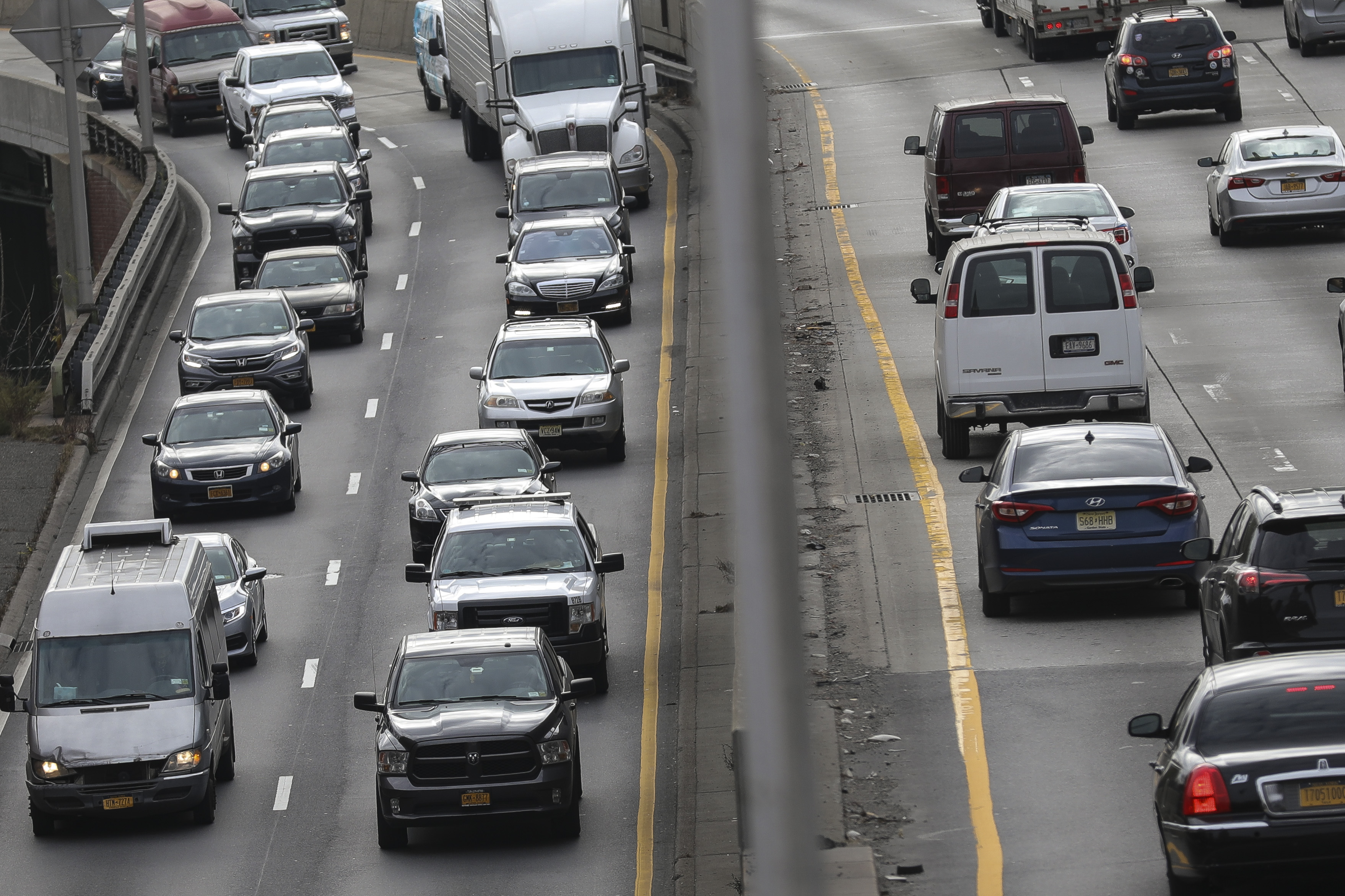 Thanksgiving Car Travel Expected To Reach Highest Levels Since 2005